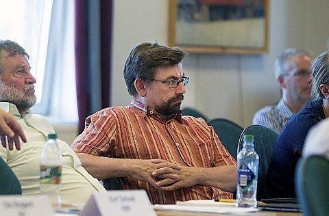 FORSTÅELSE: Bård Hogstad (SV) har forståelse for Ås-ordførerens frustrasjon, men vil samtidig se på grensen mot naboen.