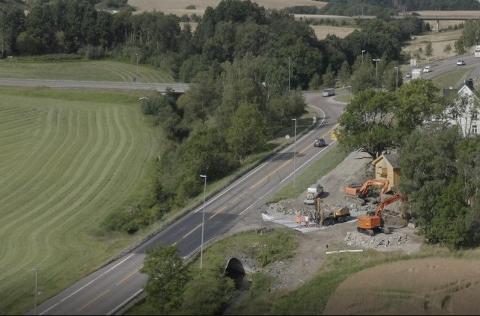 HER SKAL DET JOBBES: Statens vegvesens bilde fra Holstad, viser hvor arbeidene skal pågå denne helgen.