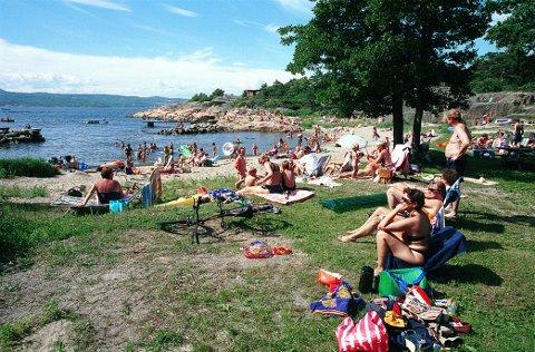 GON: Gonbukta er en av mange populære badesteder langs Larviksfjorden.