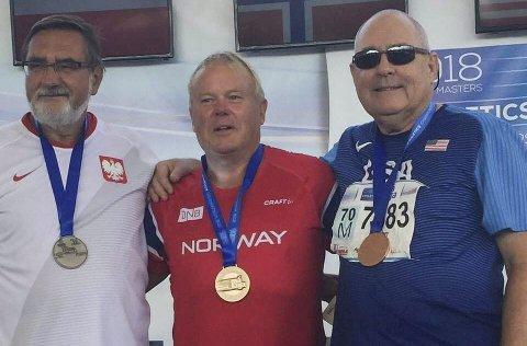 VERDENSMESTER: Arild Busterud fra Løten tok gull i kulestøt da VM i friidrett for veteraner startet denne uka. (Foto: Privat)