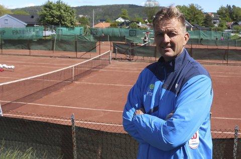Frank Stensøy og Porsgrunn Tennisklubb arrangerer 3000 meter.
