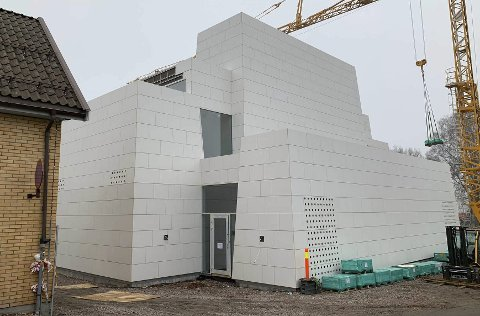 KASSENE PÅ HAUGEN: Den nye kassekirken tar form.