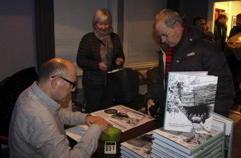 BOK: Harald Nikman er tildelt Rikard Berges Pris for boka om Breviksbanens historie.