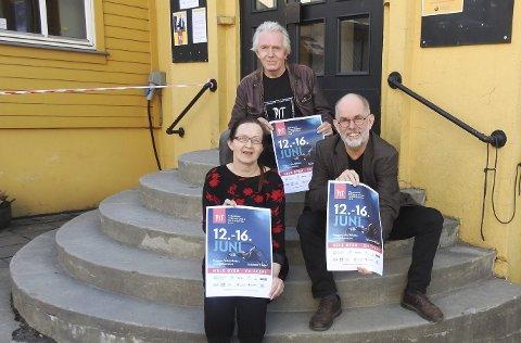 Festivalledelsen foran f.v. Wendy Aasland og Hans Petter Eliassen, og bak Trond Hannemyr.