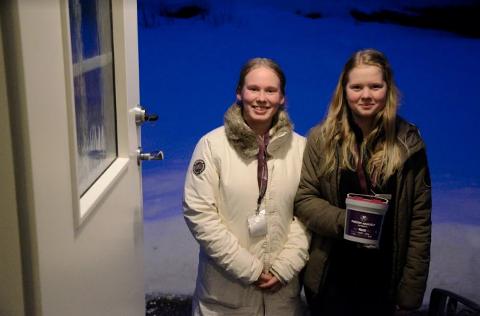InnsamlingØ: Thea Sundstøl og Sofie Svanskov Teigen gikk med bøsser i Os