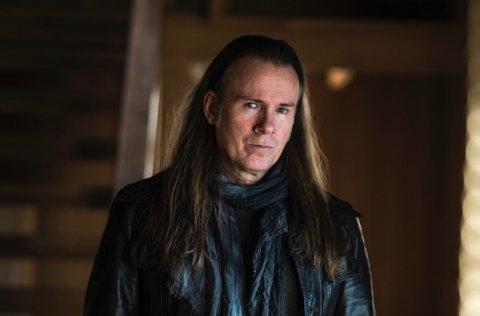 Bjørn Berge er aktuell med sitt 13. studioalbum, og er internasjonalt anerkjent innen sjangeren sin. Onsdag 12. mai gjester han Byscena.