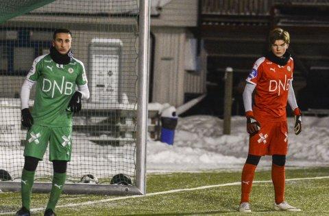STEG FOR STEG: Davod Arzani og Andreas Hippe Fagereng fra Moelv hospiterer begge på HamKams A-lag, men unggutta er tydelige på at det ikke er noen grunn til å stresse for å få spilletid i OBOS-ligaen denne sesongen.