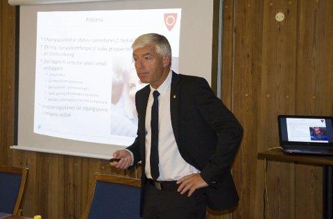 Rådmann Tore Isaksen synes det er lettere å legge fram budsjettet nå enn det var i fjor.