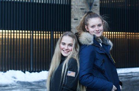 – Meld deg på: Annette Ruste Henriksen (t.v.), som skal være med på UKM i år, og Caroline Moholdt, som har vært med tidligere anbefaler flere å melde seg på UKM.