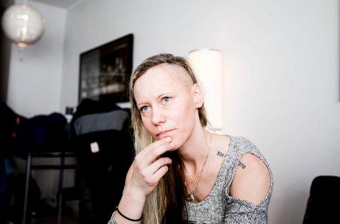 """Gro Anita Sakstad fra Lillestrøm vant fram i sitt søksmål mot staten. Bildet er tatt i 2017 i forbindelse med at hun deltok i tv-programmet """"Petter Uteligger: De pårørende"""" på TV2."""