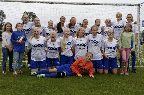 GIKK TIL SLUTTSPILL: Huringen jenter 14 gikk til sluttspill i Dana Cup i Danmark, men ble slått ut av svenskene.