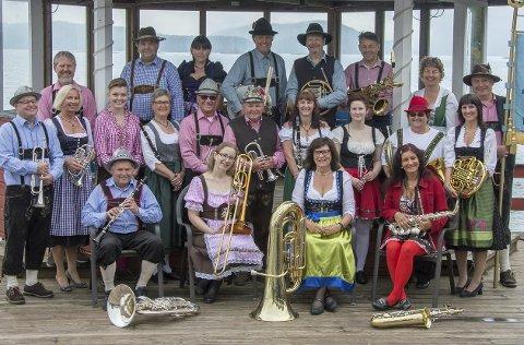 OMPA FOR SJETTE GANG: Slemmestad ungdomskorps byr inn til ekte Oktoberfest lørdag kveld. Dette er sjette år på rad.