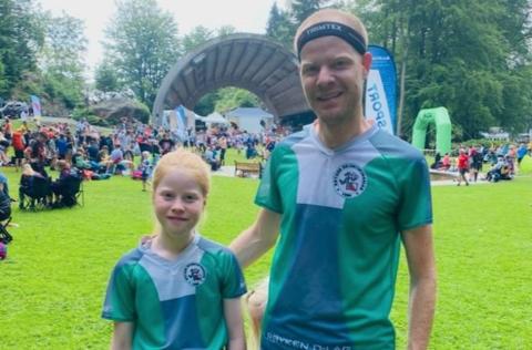 FAMILIE: O-løp er familieidrett. Her er Signe Drange Ruud og pappa Henrik på plass i Sørlandsgaloppen.