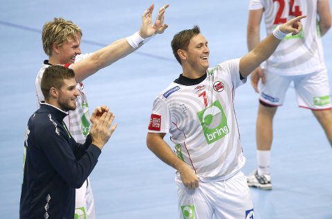 Videre: Bjarte Myrhol (f.v.), Erlend Mamelund og Joakim Hykkerud  jublet etter seieren tirsdag.