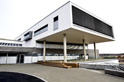 GRÅLUM: Infotjenester holder til i dette kontorbygget på Grålum. Bygningen fikk stor oppmerksomhet da den ble tatt i bruk.