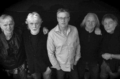 Samlet igjen: Geir Jahren (fra venstre), Svein G. Rønning, Per Langsholt, Harald Otterstad og Knut R Lie i Déjà Vu.Pressefoto