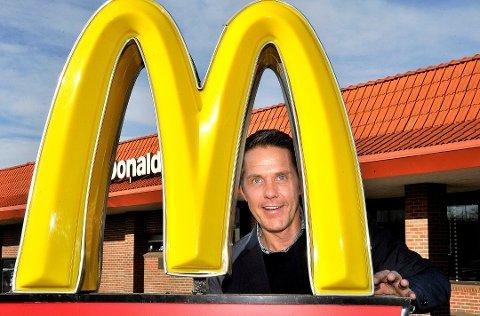 Emil Johansson eier både McDonalds på Alvim i Sarpsborg og Svinesundparken i Halden.
