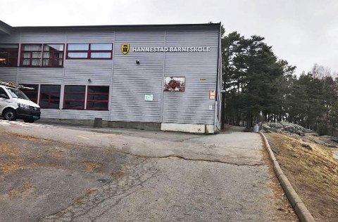 Uvedkommende gikk gjennom åpne dører og kom ut igjen med en TV og diverse småelektronikk fra Hannestad barneskole.