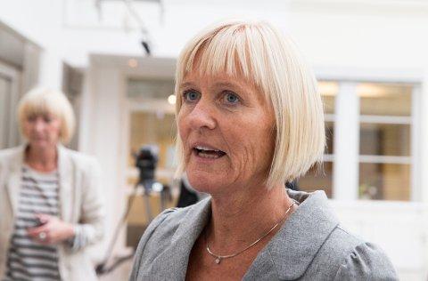 Unio-leder Ragnhild Lied mener sommerens rekordhøye strømpriser bør føre til høyere lønn ved neste lønnsoppgjør.