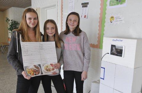 Mat-app: Jenny Ekre, Emma Johansen og Madeleine Olsen skal kjempe om å bli årets SMARTing i fylkesfinalen i SMARTINGEN i regi av Ungt Entreprenørskap i mars.