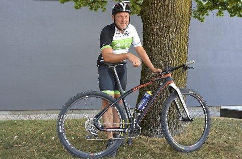 FØRST OPP: Odd Ingar Brattås kom først til toppen i Mjølkerampa Open og vant selv om han ikke syklet raskest.