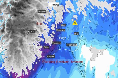 Som bildet viser vil det regne og det kan skape glatte strekninger i Indre Østfold.