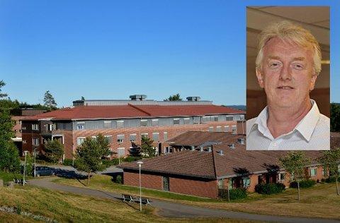 Eidsberg kommune og kommunalsjef Øivind Olavsrud slet voldsomt med å ta imot alle utskrivningsklare pasienter som kom fra sykehusene høsten 2018 og våren 2019. Resultatet ble ifølge VG bøter for 830.000 i 2018.