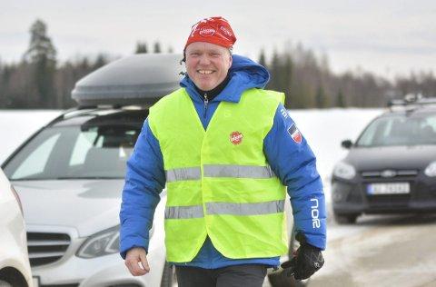 MÅTTE AVLYSE: – Trist at dette være skulle komme akkurat nå, sier løpsleder Tore Sandem etter at arrangørene av Baglerrennet lørdag måtte avlyse søndagens renn. Her smiler han under fjorårets renn.