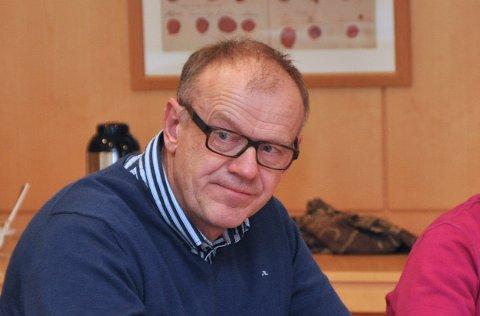 VENTA FLEIRE: Bjørn Laugaland meiner interessa for å knyta seg til fiber ikkje står i stil med dei høglydte krava i forkant av utbygginga.