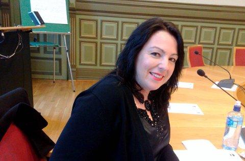 ENGASJERT: Emilie Schäffer (Skien Høyre) engasjerer seg i arbeidet for å få flyktninger raskt ut i jobb.