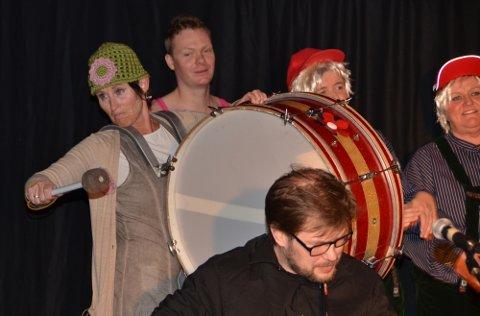 Anni Karlstrøm og resten av revygjengen i VÅRspræll slo til på alle måter.