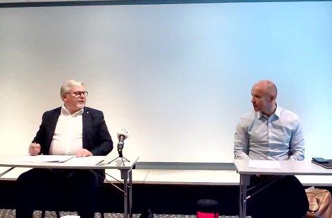 GassROR gir inntil 70 millioner kroner til SNR Hjelset. Fredag ble avtalen signert. Styreleder Arne Sverre Dahl (til venstre) i GassROR og adm.dir. Øyvind Bakke i Helse Møre og Romsdal.