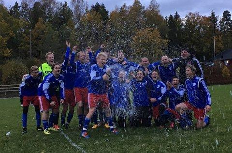 SPRUT OG UT: Arendal startet festen tidlig lørdag, etter at opprykket fra 7. divisjon var sikret.