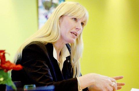 AVVENTER FEIRINGEN: Kristin Saga i NHO Vestfold er glad for enigheten om statsbudsjettet for 2017, men feirer ikke med kake helt ennå.