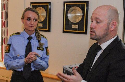 PÅ BESØK: I april besøkte justisminister Anders Anundsen Vestfold-politiet, der han fikk informasjon om barnevoldsavsnittet, som Mona Kvistnes er leder for.