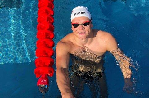 TRIVES BEST I VANNET: Fredrik Solberg fra RE har store drømmer om å en dag delta i Paralympics.