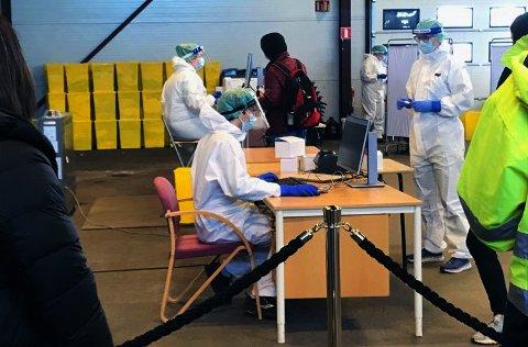 TESTING: I løpet av det siste døgnet har flere personer fått påvist covid-19 i Tønsberg og Færder.