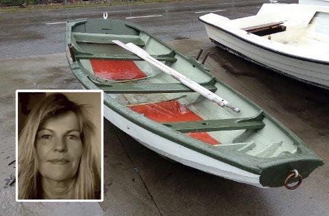 FÅR IKKE REDDE BÅTEN: Åse Marie Bakke kom over denne gamle robåten som lå klar til destruering på Lofterød gjenvinningsstasjon.