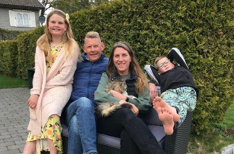 MILJØVENNLIG FORBILDE: Alle i familien Kehlet sykler til alle gjøremål, inkludert lang arbeidsreise.  På bildetfra venstre: Emma (11), Thomas, Elisabeth og Haakon Christian(6)