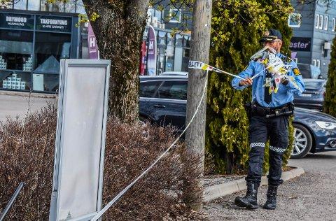 I APRIL: Sent på kvelden 20. april ble Bård Lanes skutt og drept utenfor disse lokalene på Kilen. Hele området ble deretter sperret med politiets bånd. Dagen etter ble de fjernet.