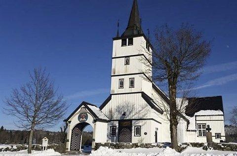 I Holt kirke og de andre kirkene i Tvedestrand vil det ikke bli sluppet inn mer enn 50 mennesker ved begravelser. Arkivfoto