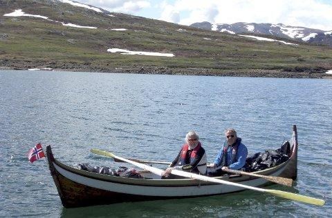 Klare: I 2014 rodde Olav Bjørn Øye (t.h.) og  Danckert Dankertsen frå Bygdin til Eidsbugarden i en bindalsfæring. De er klare for ny tur.