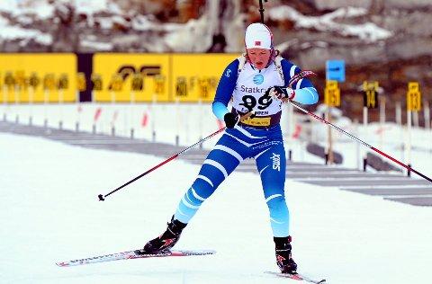 Ikke skutt: Maren Wangensteen fra Høre og Vestre Slidre idrettslag har ikke fyrt av et skudd siden mars, men går likevel helgas sprint under åpningsrennene i skiskyting på Sjusjøen.