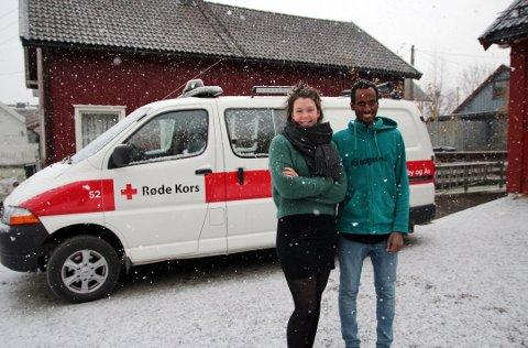 ENGASJERER SEG; – Vestby og Ås Røde Kors har brukt for den som vil gjøre en innsats for andre, sier studentene Anne Bjørseth og Biniam Jønvik Teweldemedhn.