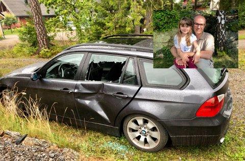 STORE SKADER: Slik så bilen til Per Kristian Aale ut da den ble oppdaget søndag formiddag. Noen har krasjet inn i den og dratt sin vei uten å gi beskjed.