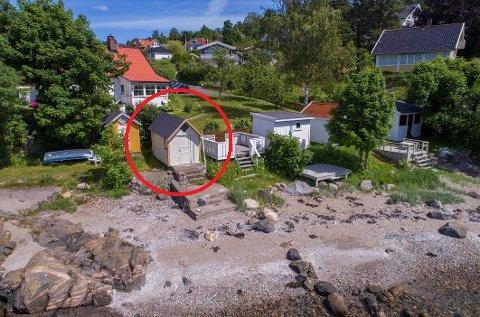 Idyll: Dog er adkomst  kronglete fra Torkildstranda og parkering følger ikke med.