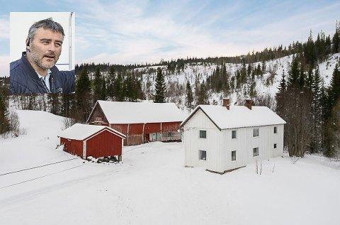 KJØPT: Tore Børresen har kjøpt dette småbruket i Ålen for 2.175.000 kroner. Foto: Jon Kristian Haukdal/Interiørfoto, bilde innfeldt: Guril Bergersen
