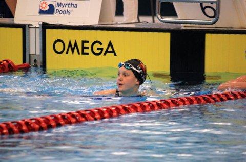 IKKE HELT FORNØYD: Tuva Tronstad (18) skulle helst hatt med seg minst én NM-medalje hjem til Kristiansand søndag kveld. Her etter 4x50 meter fri, hvor Team Sør-laget ble nummer fem.