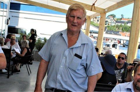DETTE SMAKER: Per Einar Birkeland driver Hestens Bøn og er med i restauranten Promenaden. Nå blir det lettelser på begge plasser.