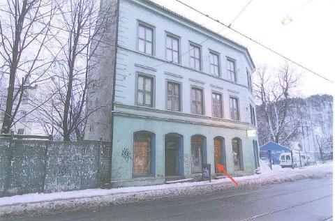 BUTIKK: En spaningsaksjon mot denne butikken i Oslo gate førte politiet til et massivt hasjbeslag som kunne ført til lange fengselstraffer mot tre tiltalte. Men etterforskningen skulle vært ferdig for fem år siden.